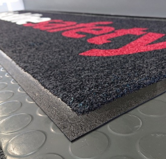 RUBBER BASE FLOOR MATS